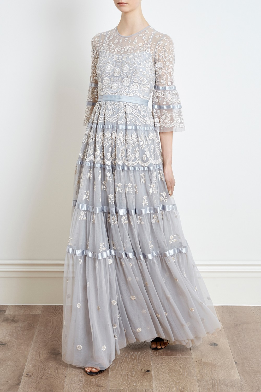 NEEDLEANDTHREAD_roses_gown_antique_blue_1